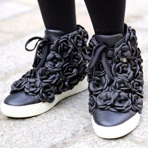 CHANEL Rare Camellia Flower sneakers